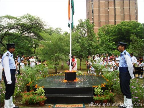 JNU administration flag hoisting